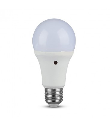 V-Tac 9W LED pære - Innebygd skumringssensor, A60, E27